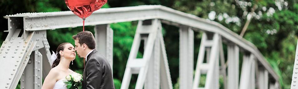 Trash The Dress, Foto de Trash The Dress, Foto de Casal em Morretes, Foto de casamento em Morretes, Foto de casal em Antonina, Estação de Antonina, Barreado, Foto de Casamento, Fotógrafo de Casamento em Curitiba, Paraná, Foto Externa de Casal, Foto externa, photo, Wedding, Foto Preta e Banco, Fotógrafo de Casamento em Baurú, Casamento, Retrato de Família, Bodas, Agnaldo Teixeira Fotógrafo, Agnaldo Teixeira, Teixeira, Casamento em Curitiba, Casamento no Paraná, Magali e Willian