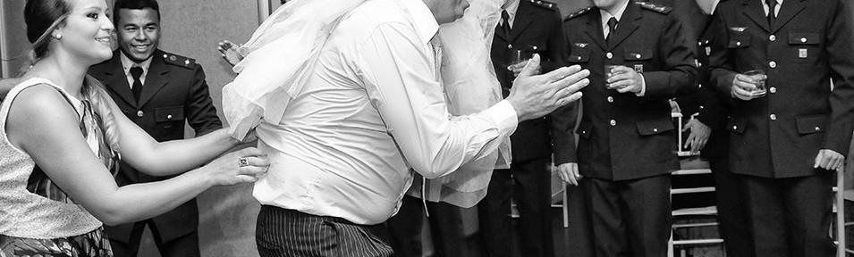 Casamento de Elaine e Cleibson, Fotógrafo de Casamento em Curitiba, Casamento em Curitiba, Foto de Casamento em Curitiba, Casamento na Igreja São Vic. de Paulo, Hotel Mercuri. Hotel royali, Foto de casamento em Curitiba, Casamento, Wedding, Photo, Fotojornalismo em Casamento, Casamento em Curitiba, Curitiba, Fotografo de casamento em Curitiba,