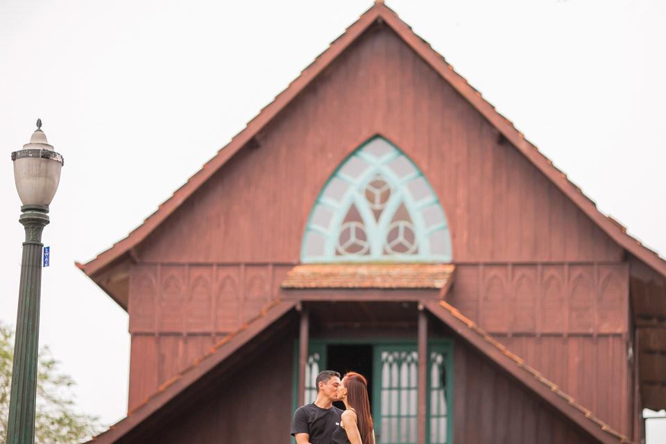 Ensaio de casal, Pré Wedding, Ensaio no bosque do alemao, Bosque do Alemao em Curitiba, Bosque do Alemao, Fotografo de Casamento em Curitiba, Foto de Casamento em Curitiba, Ensaio Externo, Agnaldo Teixeira Fotografo, Fotografo de Casamento em Ponta Grossa, Fotografo de Casamento em Irati, Fotografo de casamento em Bauru